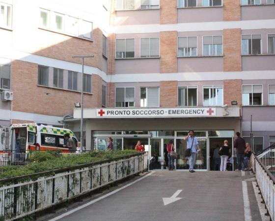 S. Maria Goretti, 85enne muore in barella perché non ci sono posti