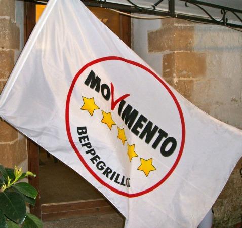 Il movimento 5 stelle di aprilia illegittimo i grillini for Parlamentari movimento 5 stelle
