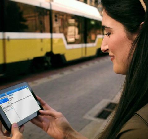 Tariffe roaming dimezzate grazie all 39 ue da oggi navigare for Abolizione roaming in europa