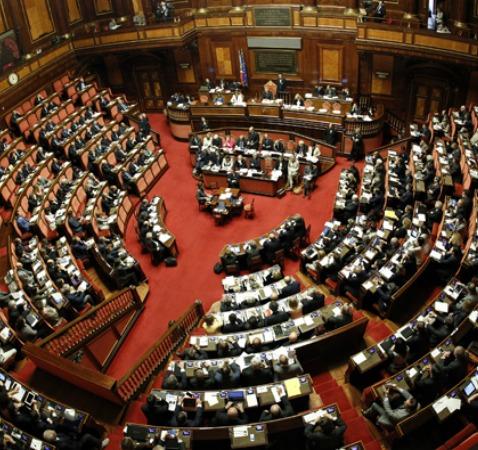 Il governo ha ormai scippato il potere legislativo al for Parlamento ieri