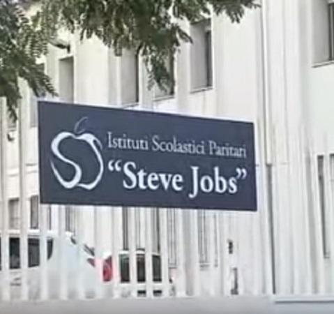 Steve jobs non solo istituti paritari dal liceo all for Istituti paritari milano