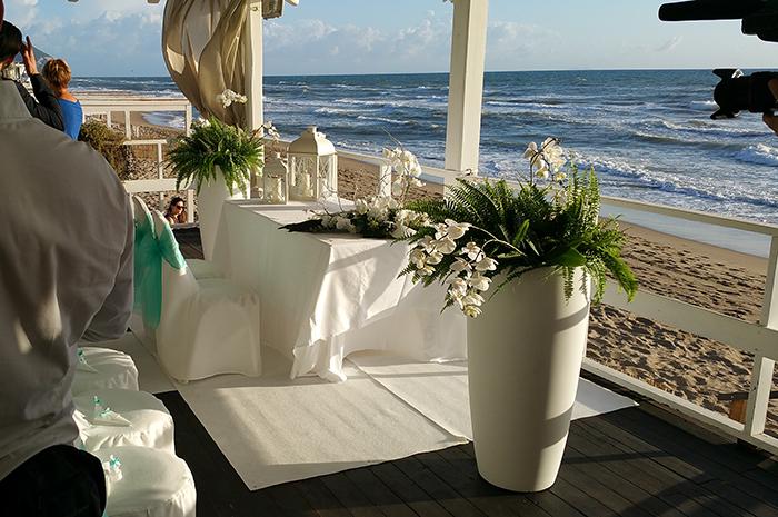 Matrimonio Spiaggia Terracina : Quattro matrimoni linda e marco vincono con il loro