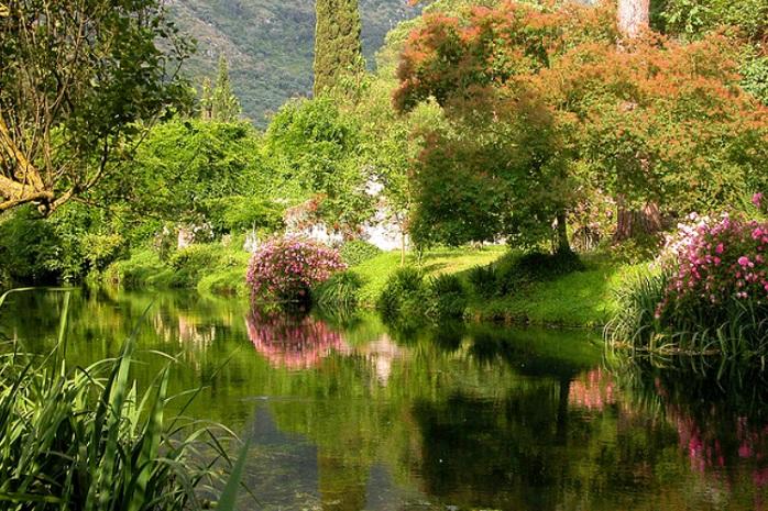 Giardini di ninfa siccit prosciuga lago e fiume - I giardini di ninfa ...