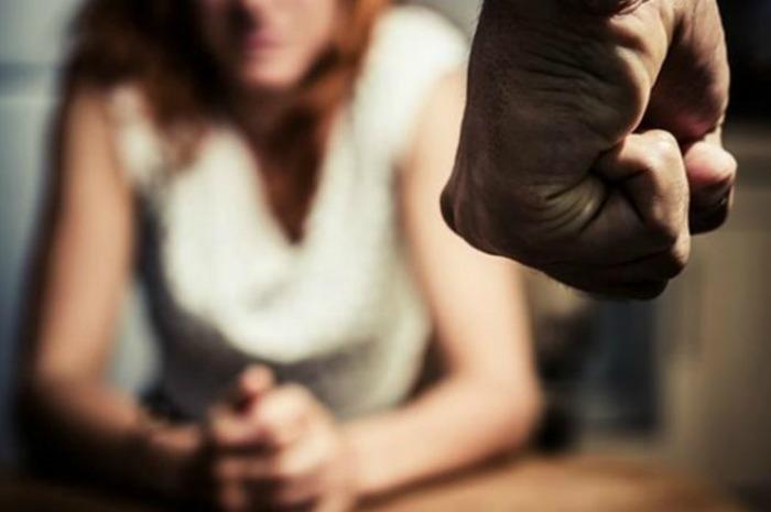 Terracina, picchia e minaccia l'amante di diffondere i video hard in rete. Divieto di avvicinamento per un 51enne - LatinaQuotidiano.it
