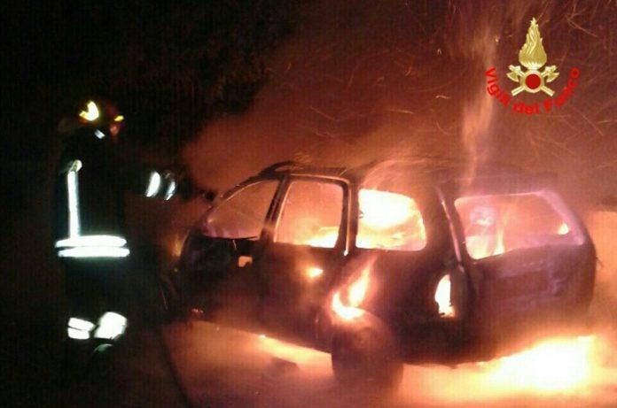 incendio_auto_aprilia