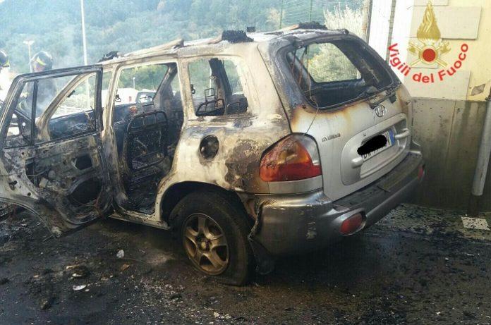 incendio_auto_formia