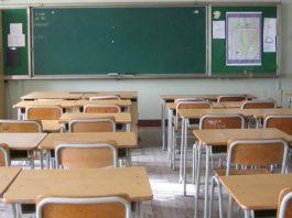 classe-banchi-vuoti-a-scuola
