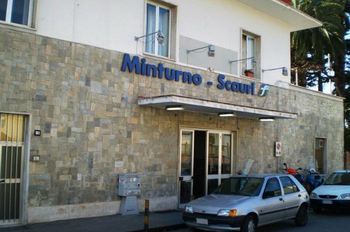 La stazione di Minturno è fuori dalla rete ferroviaria del Lazio tra mille disagi a danno dei pendolari - LatinaQuotidiano.it