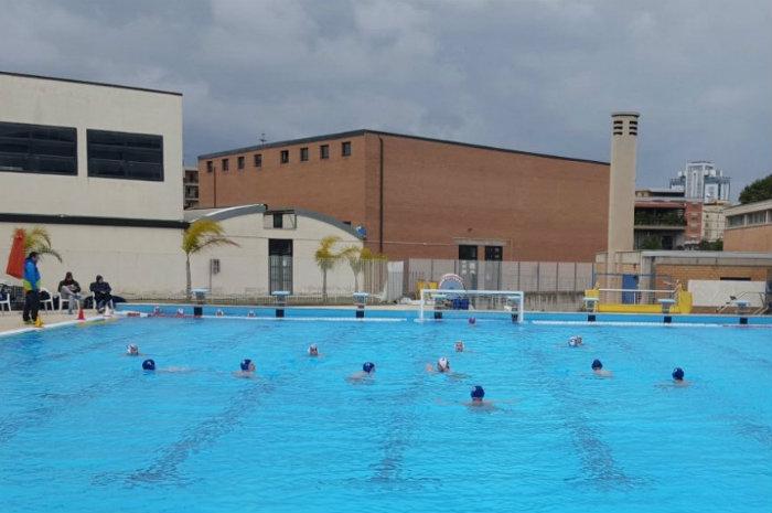 Piscina scoperta antares nuoto latina chiede l 39 accesso agli atti latina quotidiano - Agora piscina latina ...