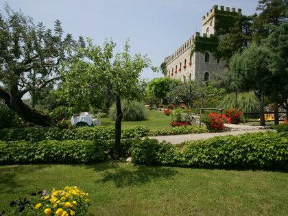 chiusura Hotel Castello Miramare Formia