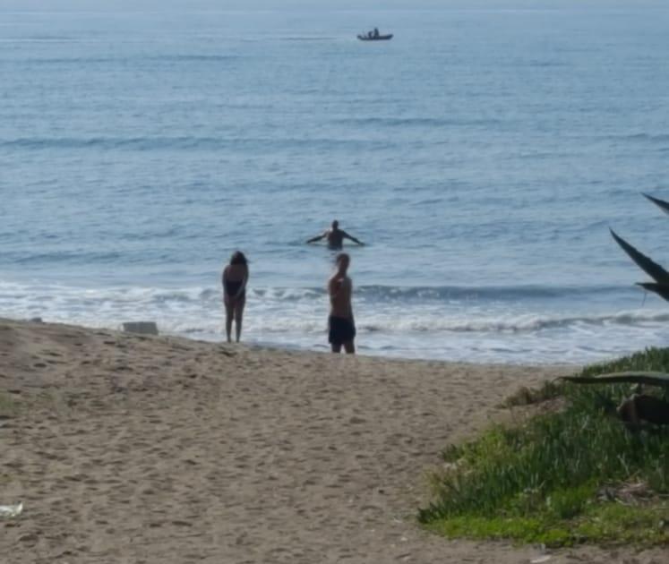Ad ottobre tutti al mare a fare il bagno cozzolino - Bagno al mare in gravidanza ...