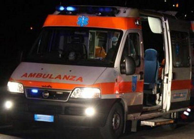 Tragedia a Pontinia, auto contro un albero: muore una donna di 79 anni