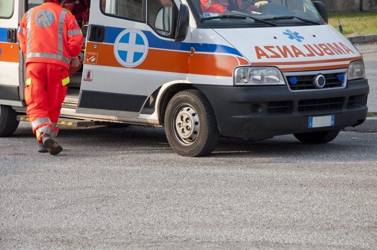 Dramma a Cisterna, 82enne si sente male e muore al supermercato