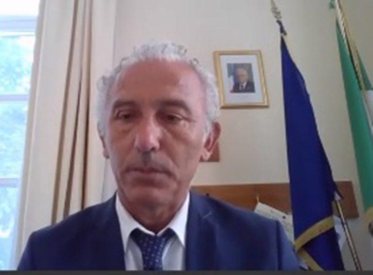 Latina, il sindaco Coletta firma l'ordinanza. Mascherina obbligatoria h24 e multe ai trasgressori
