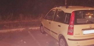 Le pietre scagliate contro l'auto di Emiliano Ciotti