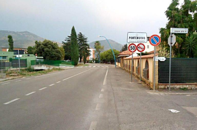 Sermoneta, in via dell'Irto arrivano i marciapiedi e un ponte pedonale