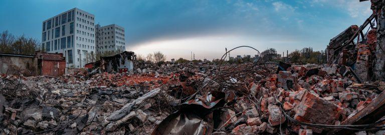 Le rovine, il suo fascino e la politica prêt-à-porter