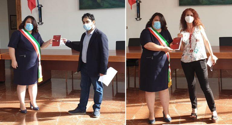 Due nuovi assunti timbrano cartellino nel municipio di Sabaudia